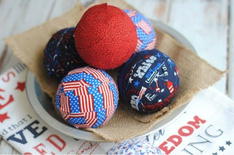 Patriotic-Table-Decor