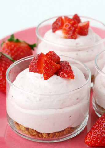 strawberry-cheesecake-mousse