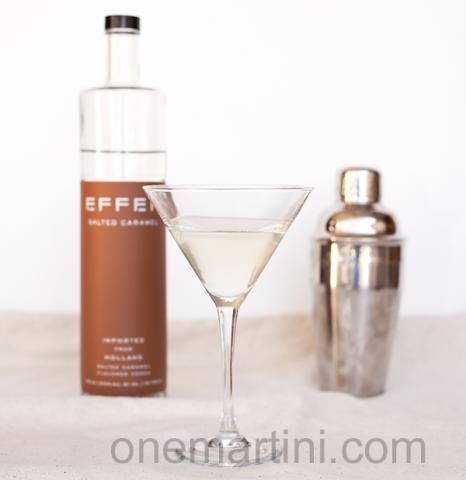 salted-caramel-nut-cocktail