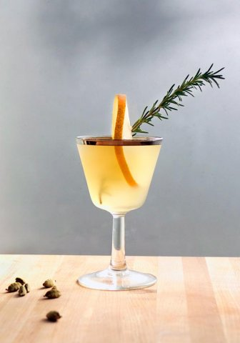 winter-pear-cocktail