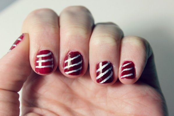holiday-manicures-candy-cane