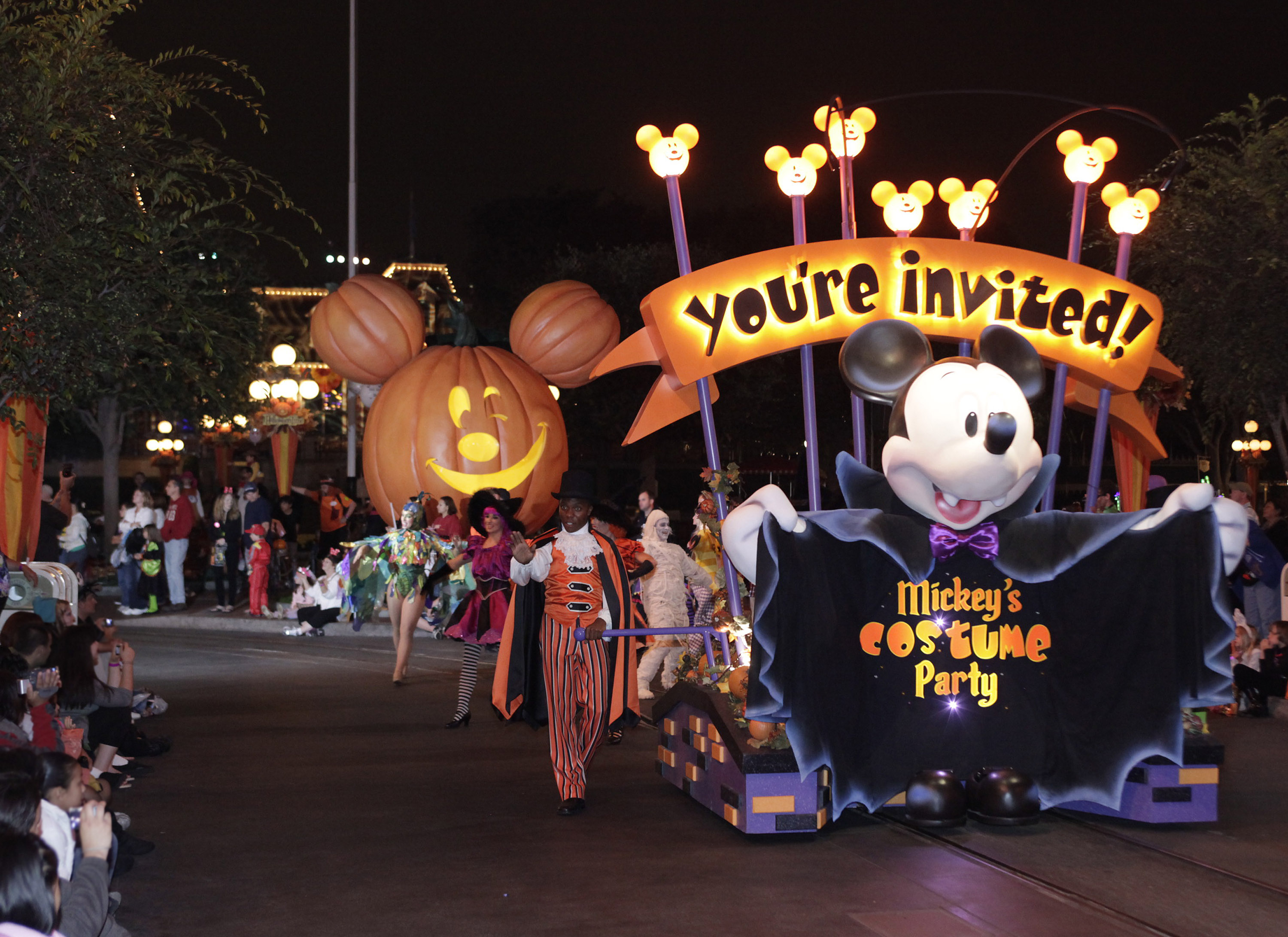 We're so excited about Mickey's Halloween Party at Disneyland ...