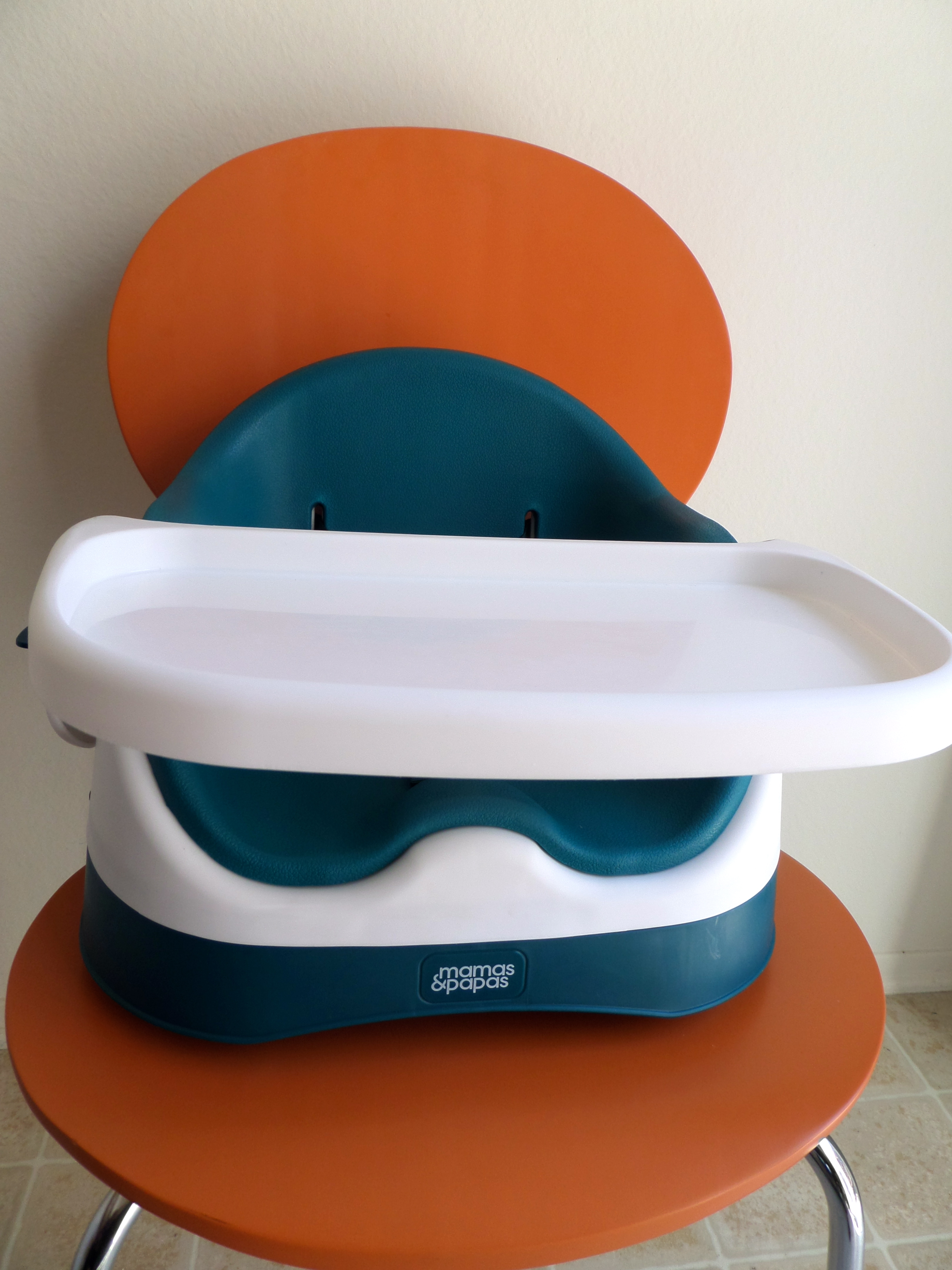 Baby Bud booster seat & Baby Bud booster seat is compact and functional - Savvy Sassy Moms