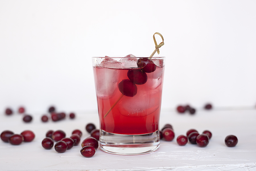 spiced cranberry gin cocktail
