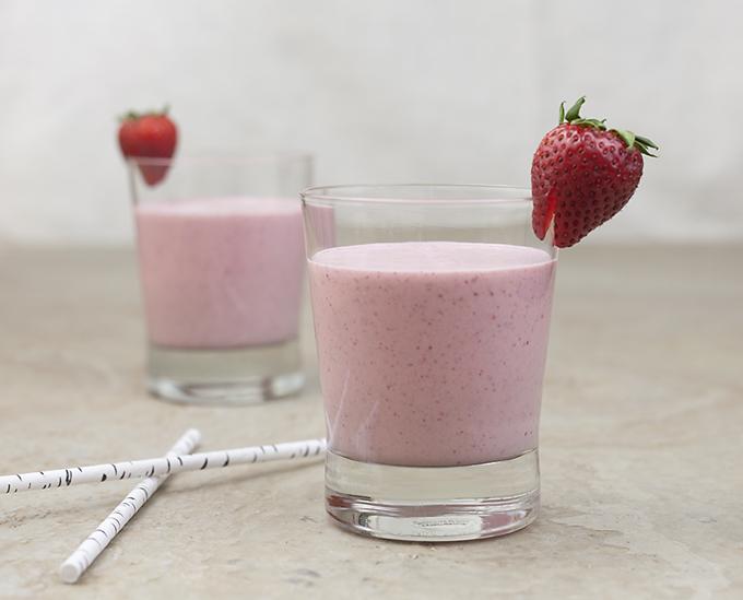 creamy strawberry banana smoothie