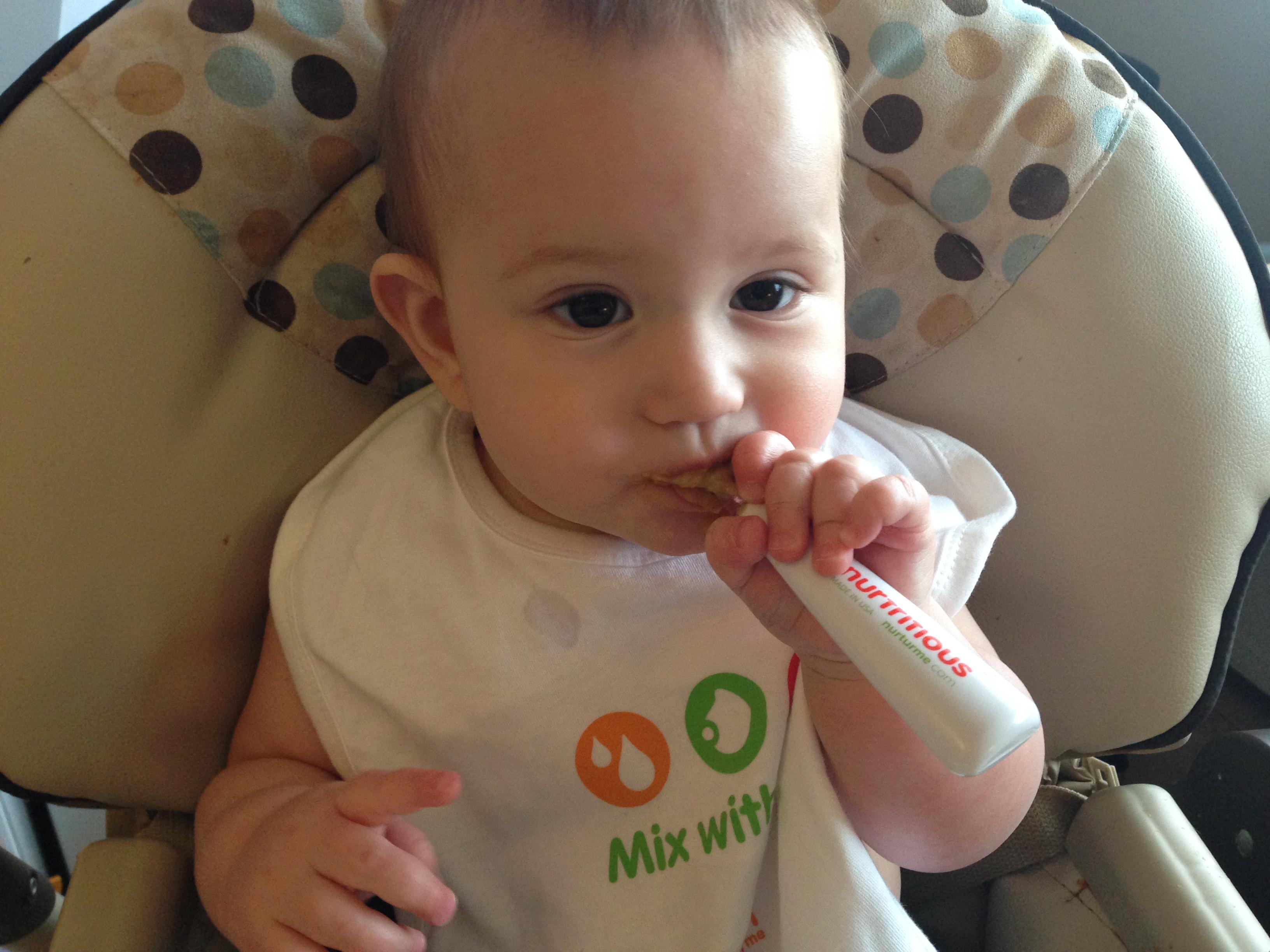 baby eating nurtutMe