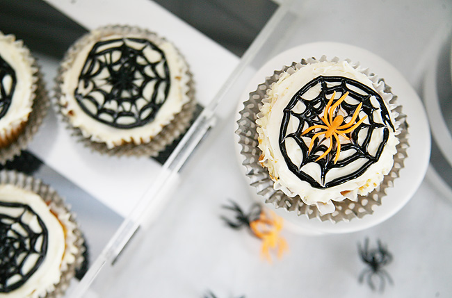 Easy to create spider cupcakes for Halloween