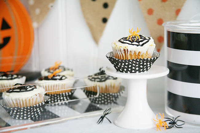 Easy spider cupcake idea for a kids halloween party