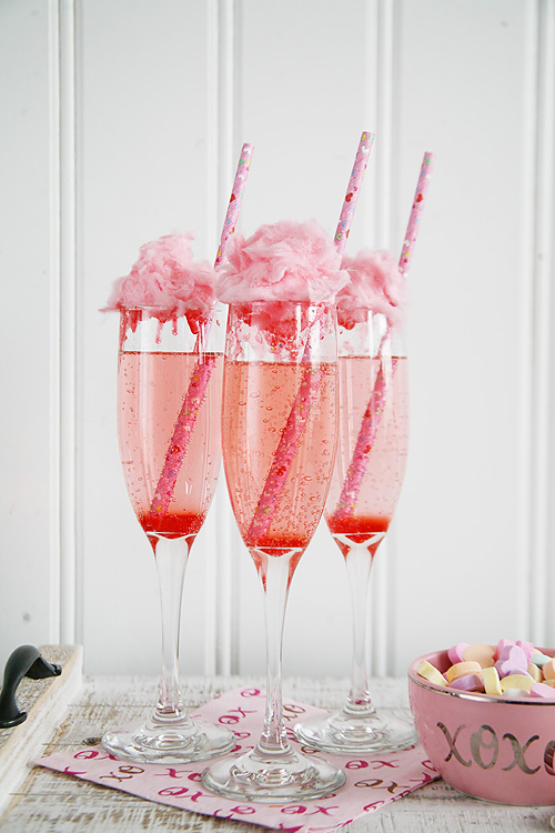 Cotton Candy Champagne cocktail recipe for Valentine's Day