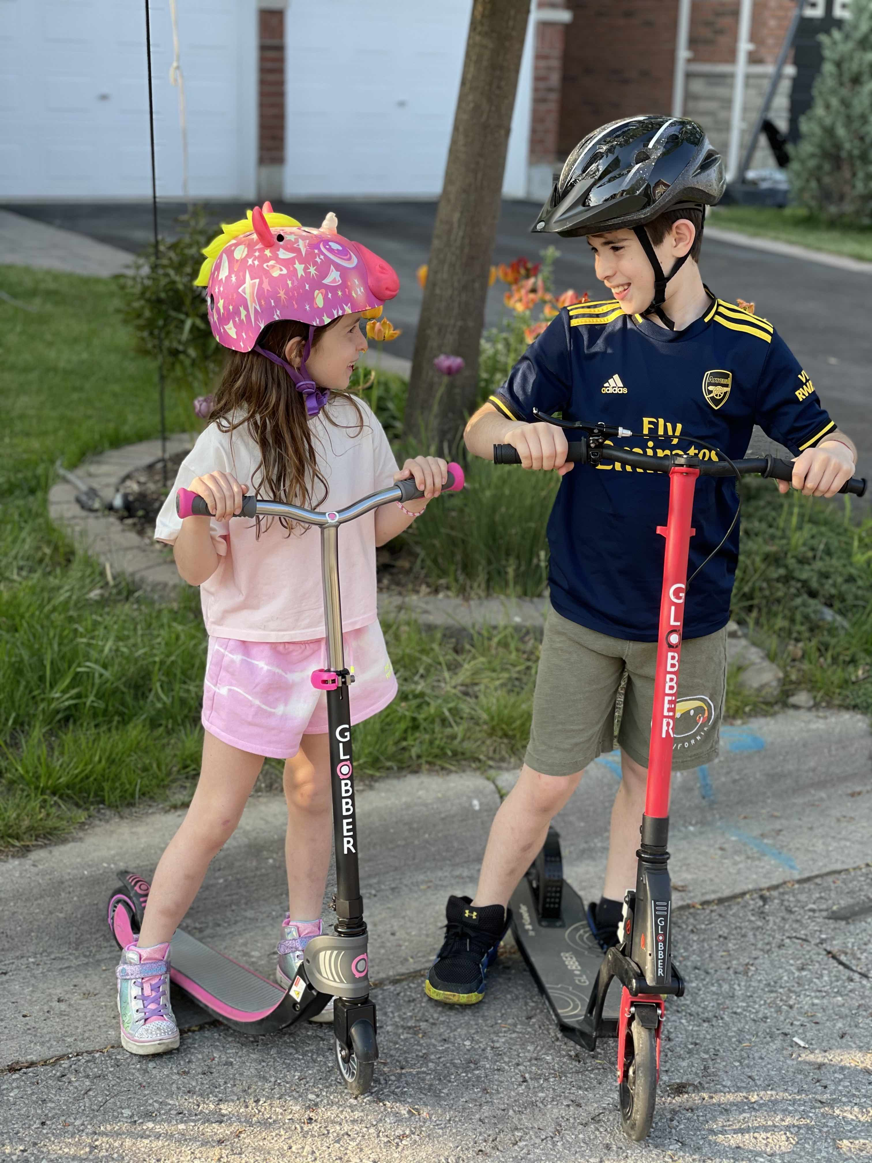 kids on Globber scooters