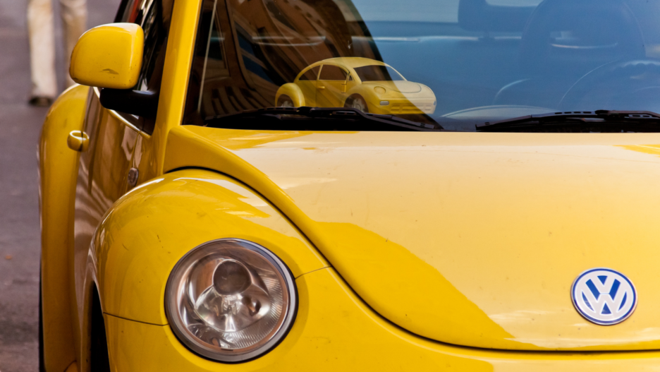 yellow Volkswagon beetle